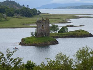 Einsame Highlands, stolze Castles und zerklüftete Küsten @ Paul-Gerhardt-Gemeindezentrum