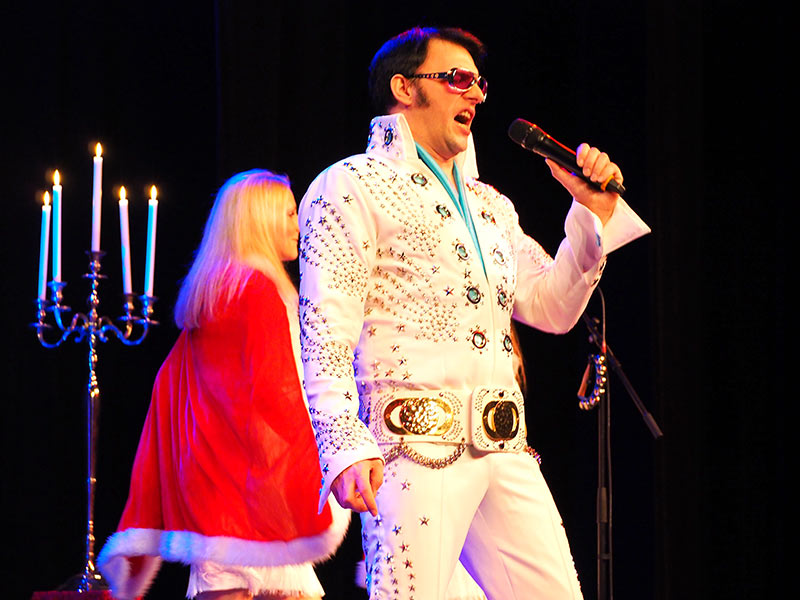 Rock'n'Roll meets Christmas @ Festsaal am Falkenberg